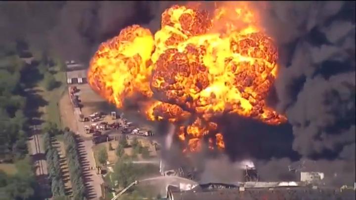В Иллинойсе произошел крупный взрыв на химическом заводе