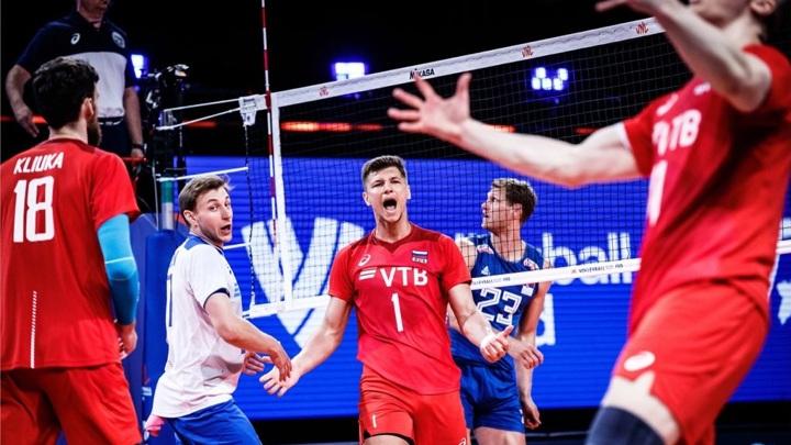 Волейболисты России досрочно вышли из группы, обыграв испанцев