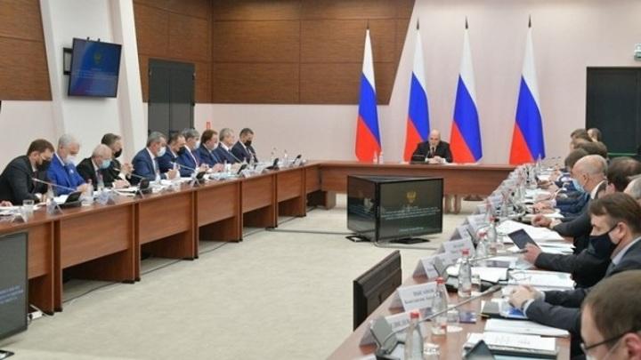 Мишустин вновь призвал россиян вакцинироваться от коронавируса