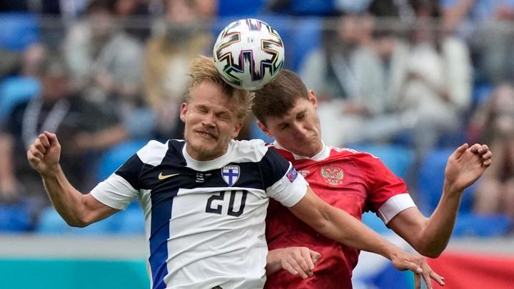Фернандес избежал серьезной травмы спины в матче Евро-2020 против Финляндии