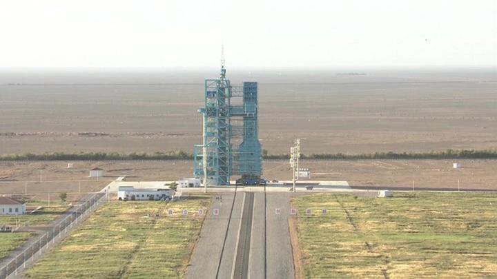 """Китайский """"Шеэчжоу-12"""" пристыковался к орбитальной станции"""