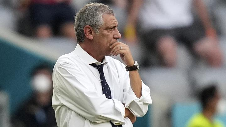 Тренер Португалии Сантуш: голы в свои ворота потрясли команду