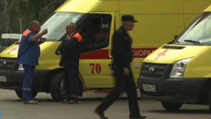 В Челнах под окнами многоэтажки обнаружили труп мужчины