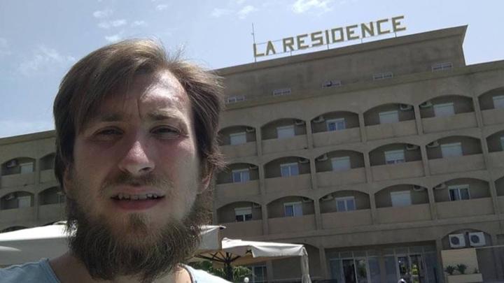 Группу российских туристов задержали в Республике Чад и заперли в отеле