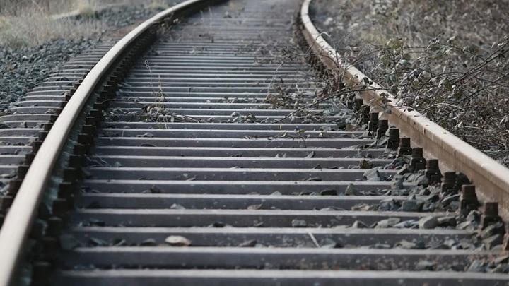 В Ярославской области рядом с железной дорогой нашли тело школьницы