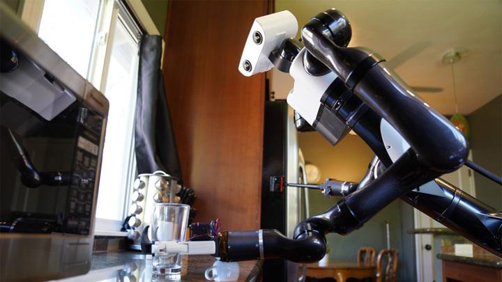 Toyota изобрела домашнего робота-помощника
