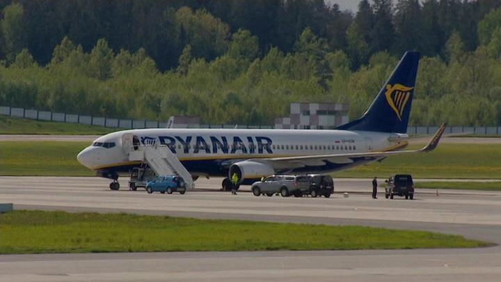 Замешанный в инциденте с Ryanair диспетчер покинул Белоруссию