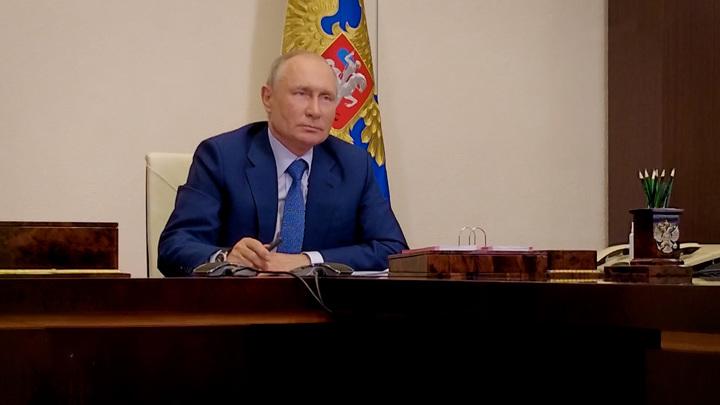 """Путин сегодня в 18-й раз пообщается с россиянами в формате """"Прямой линии"""""""