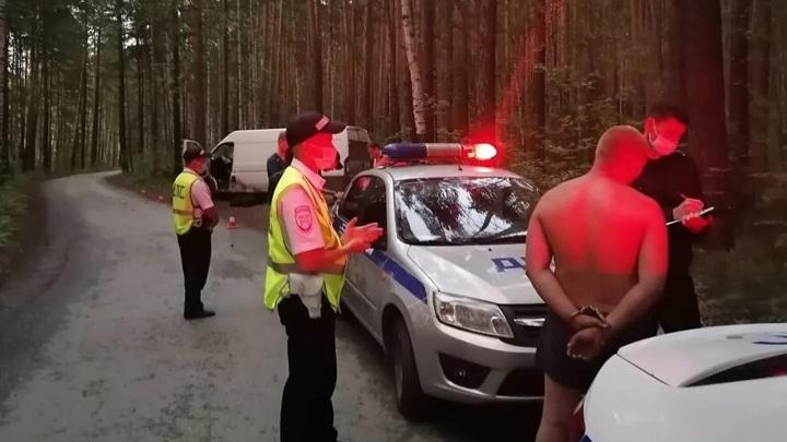 Уралец решил прокатить пятилетнюю дочь за рулем и раздавил ее своим телом