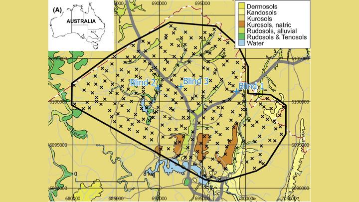 Территория Северной Канберры, для которой была составлена карта почв. Область исследования очерчена сплошной черной линией. Крестиками отмечены 268 участков площадью в один квадратный километр