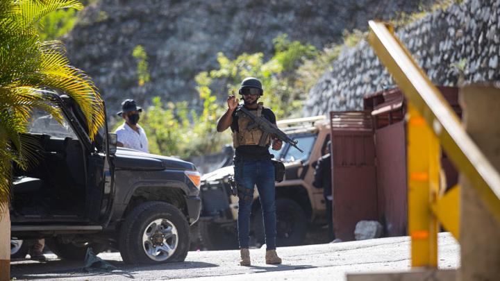 После убийства президента на Гаити объявлен траур и военное положение