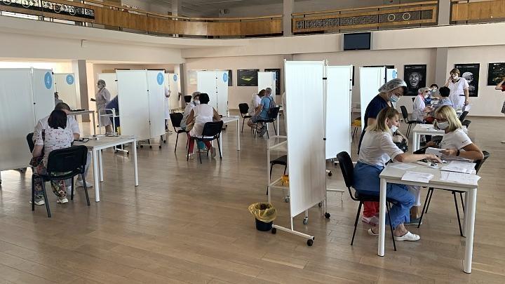 Самый крупный центр вакцинации открылся в Туле
