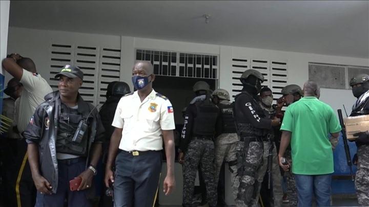 Перестрелка у здания парламента помешала экс-сенатору Гаити принести присягу