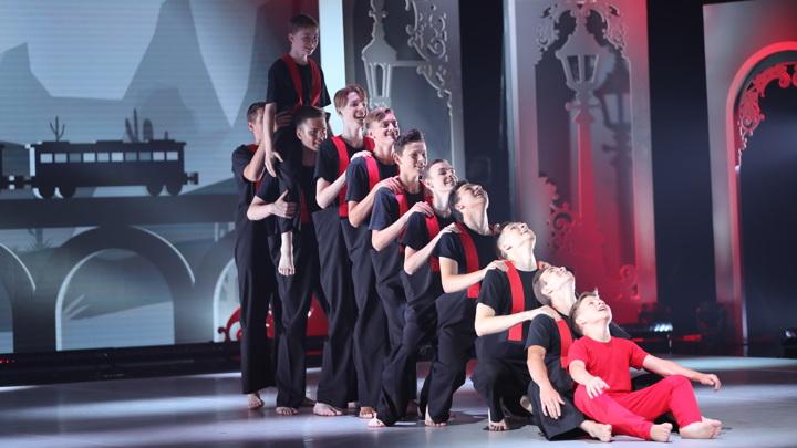 """""""Пятый элемент"""" и """"Рефлекс улитки"""". Чем удивили исполнители современного танца на """"Больших и маленьких""""?"""