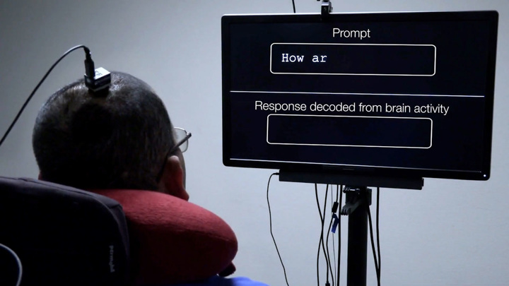 Чип в мозге преобразует мысли в речь – впервые в мире