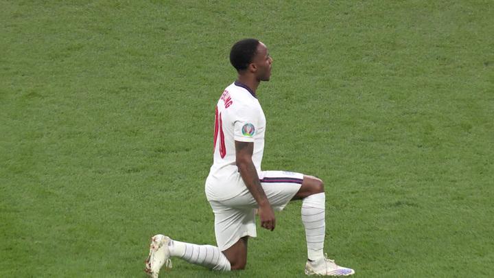 Английский расизм: травля темнокожих футболистов