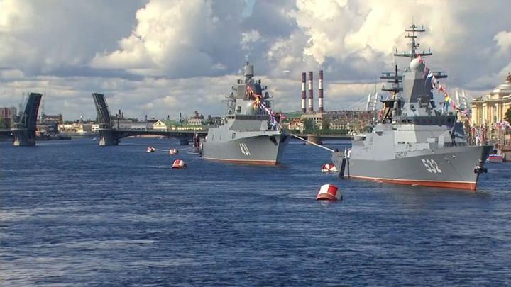 Путин сегодня примет Главный военно-морской парад в Санкт-Петербурге и Кронштадте