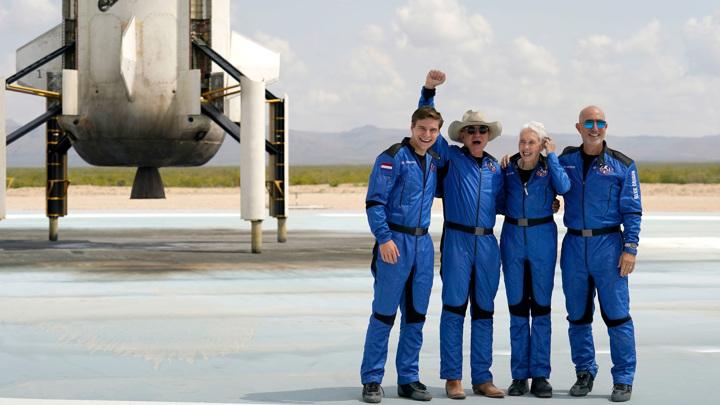 Полет Джеффа Безоса открывает новую страницу в истории освоения космоса