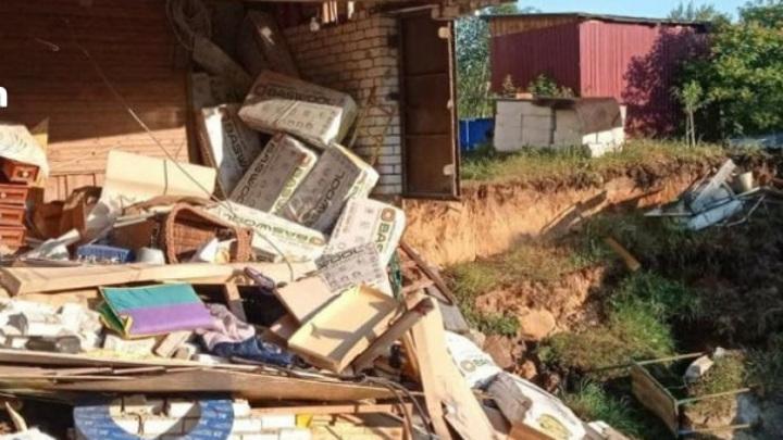 Провал грунта в Балахне: обрушилась часть жилого дома