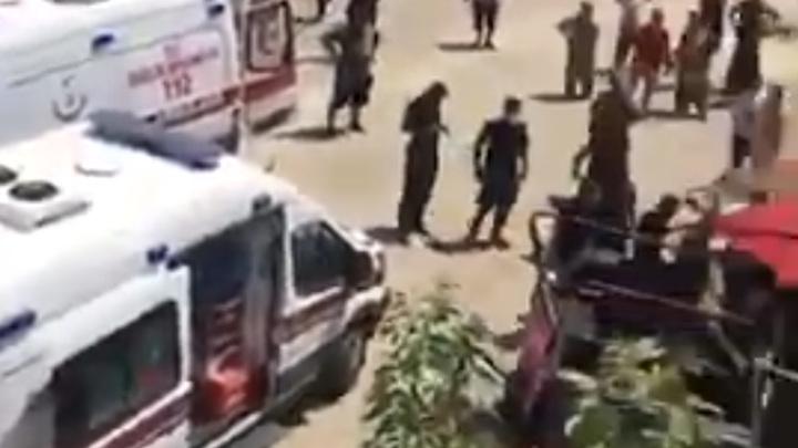 Туристический джип с россиянами сорвался в пропасть в Турции