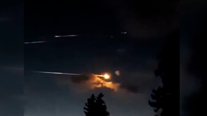 Жители Бийска увидели в небе над городом неопознанные летающие объекты