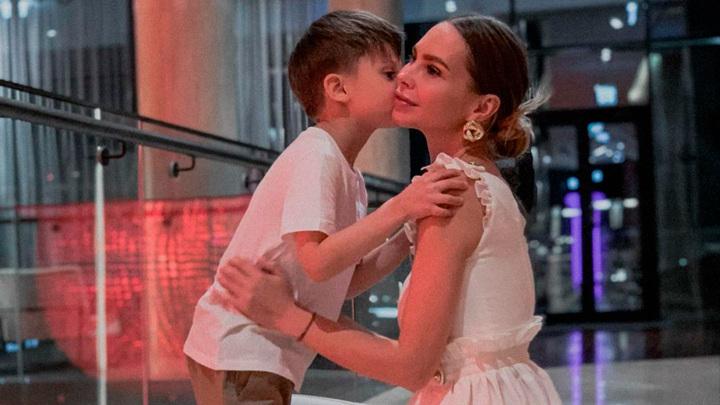 Наталия Горчакова с сыном / Фото: instagram.com/knyaginya/