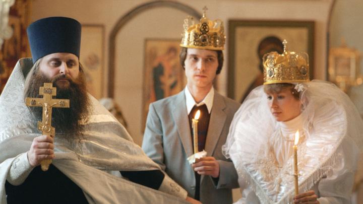В РПЦ разъяснили, кто может венчаться во втором браке