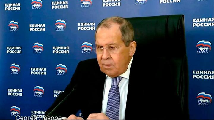 Лавров: Запад пытается сформировать вокруг России пояс нестабильности