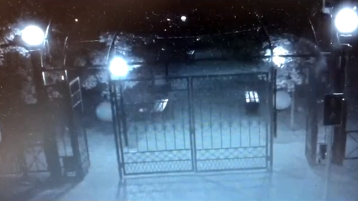 Все из-за девушки: 18-летний житель Тверской области разбил пять уличных фонарей