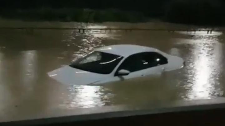 Жителей Сочи предупредили о возможной эвакуации