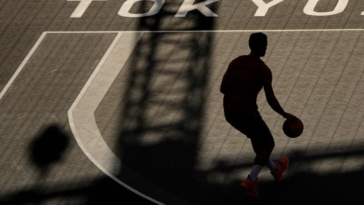 Россияне разгромили китайскую команду в матче по баскетболу 3х3