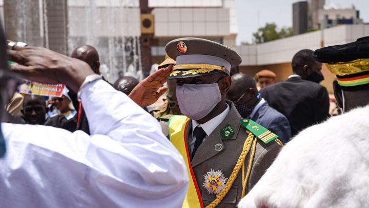 Подозреваемый в покушении на временного президента Мали скончался в больнице