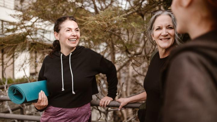 Занятия танцами не только развивают мышечную силу и гибкость. Они дарят хорошее настроение и уверенность в себе, а также новые приятные знакомства.