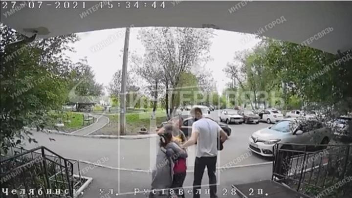 """""""Я ж закладчица"""". В Челябинске мать распространяла наркотики, прикрываясь ребенком"""