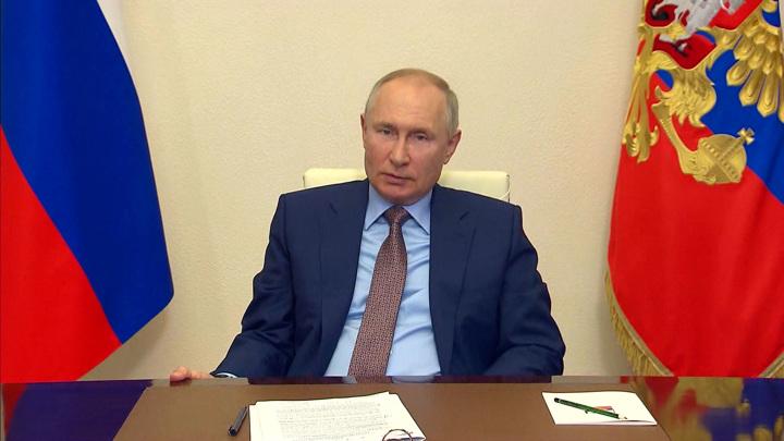 Ремонт школ и детские выплаты: Путин поручил министрам ускорить процессы