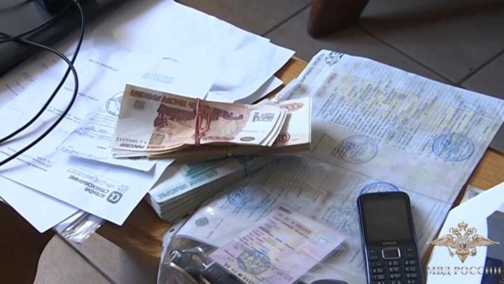 Банду каскадеров-мошенников задержали в Москве