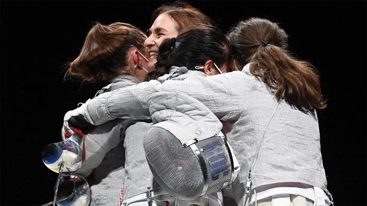 Российские саблистки завоевали золотые медали Олимпийских игр