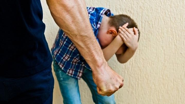 Сибиряк ответит за избиение 7-летнего сына своей сожительницы