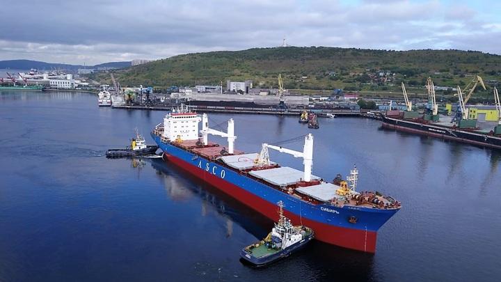 Мурманский морской торговый порт за июль обработал более 180 тонн щебня