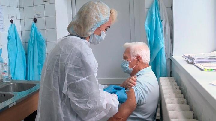 Журнал Lancet опубликовал статью о бесполезности массовой ревакцинации
