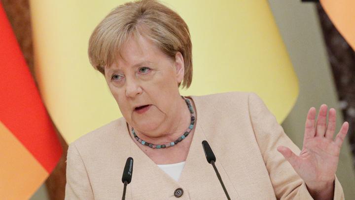 Меркель поздравила Шольца, а Лашет не стал