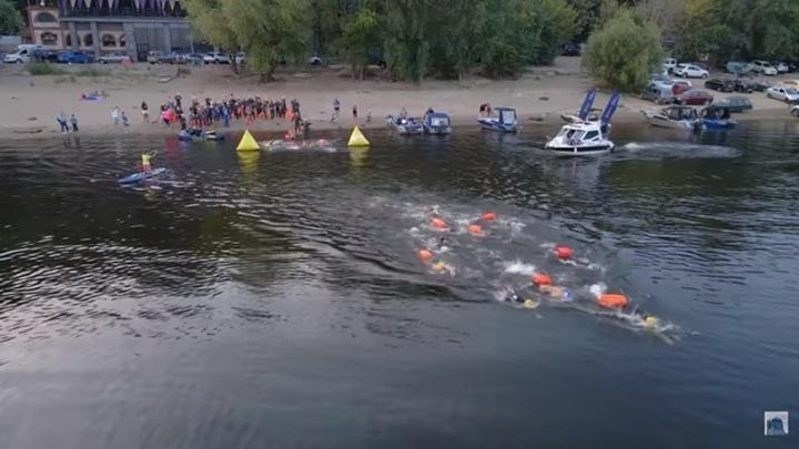 22 минуты и 42 секунды: в Самаре состоялся массовый заплыв через реку Волгу