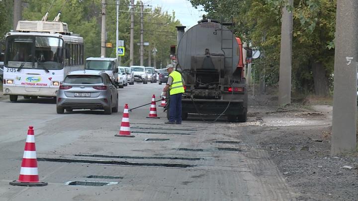 Собянин поручил выделить средства на ремонт подъездных дорог к СНТ