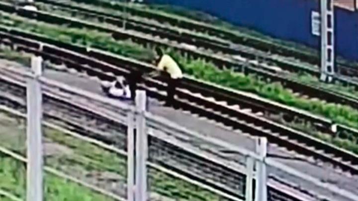 На вокзале донской столицы иностранный студент напал на мужчину
