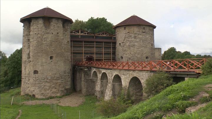 Старинной крепости Копорье потребовались противоаварийные работы