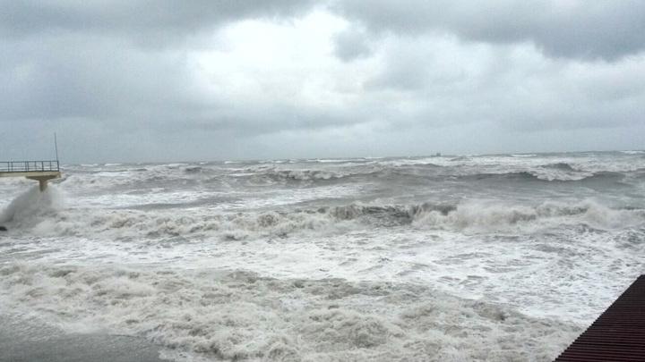 В Сочи могут возникнуть смерчи над морем. Объявлено штормовое предупреждение