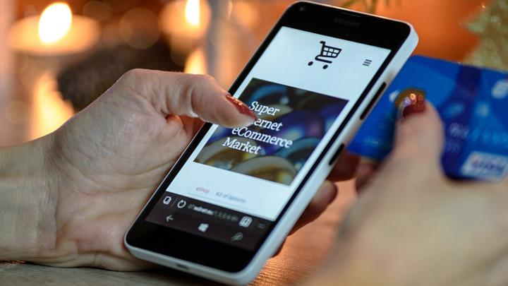 Россияне стали тратить больше времени на шопинг в мобильных приложениях