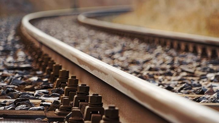 Поезд насмерть сбил пенсионера в Карелии