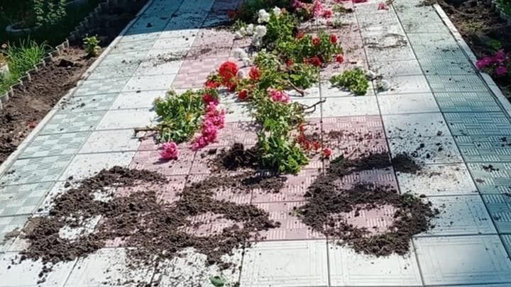 """Неизвестные выложили """"число дьявола"""" у входа в храм в Новосибирской области"""