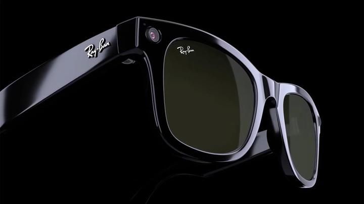 """Facebook и Ray-Ban выпустили """"умные"""" очки: с камерой, звонками и музыкой"""